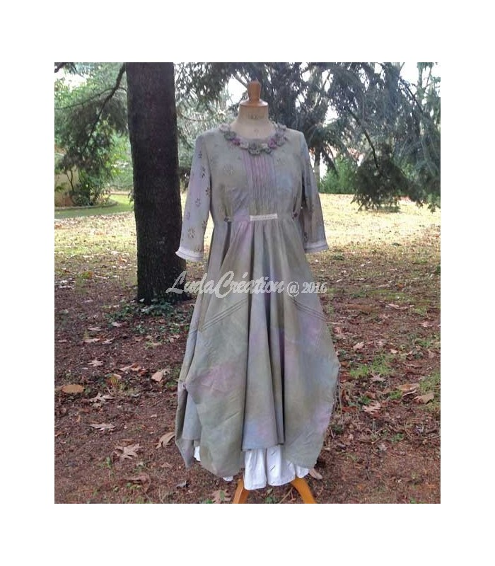 robe longue romantique style boh me vert lilas d cor e par des fleurs fait main par ludacr ation. Black Bedroom Furniture Sets. Home Design Ideas