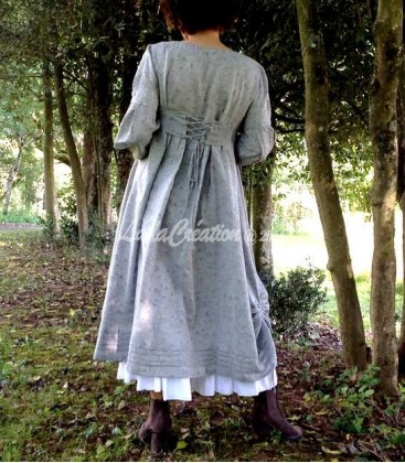 Robe longue boho esprit campagne en coton naturel gris avec son jupon blanc