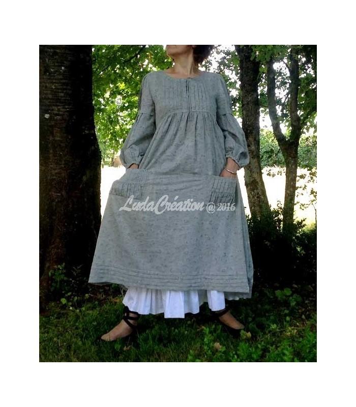 9724f331bce Robe longue boho esprit campagne en coton naturel gris avec son jupon blanc
