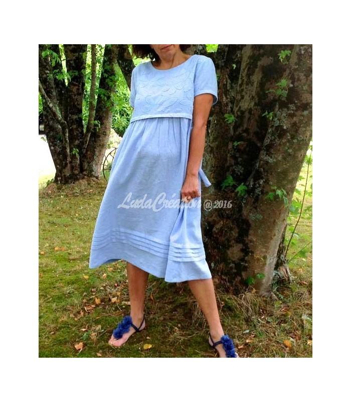 Robe d\'été mi longue lin naturel couleur bleu claire création unique