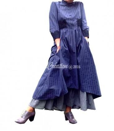 Robe d'antan Longue Rayée bleu foncée grise esprit Boho Campagne avec son jupon gris amovible