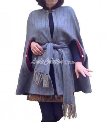 Cape femme en tweed de la laine bleue grise bordeaux avec son cache col fleur de lys taille unique