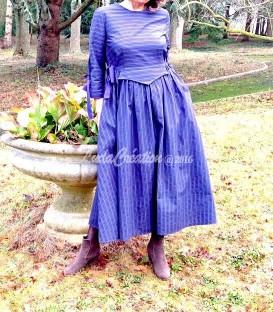 Robe longue Madeleine rayée en coton épais couleur bleu foncé