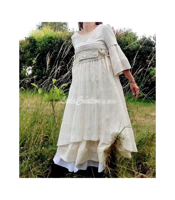 8f96017bb9d6f Robe longue Shabby en lin et polycoton avec son jupon blanche fait main
